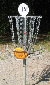 Disc_golf_in_basket
